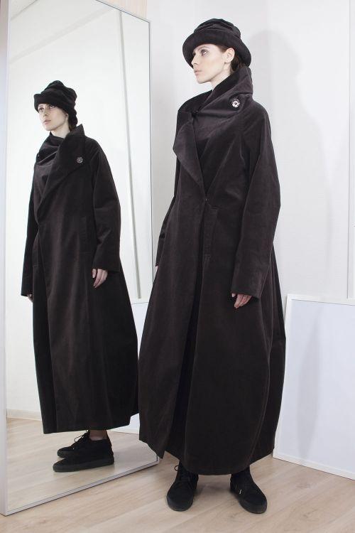 Пальто трапеция велюр