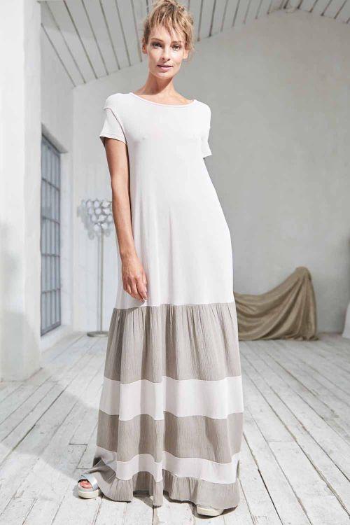 Платье с отделкой длинное