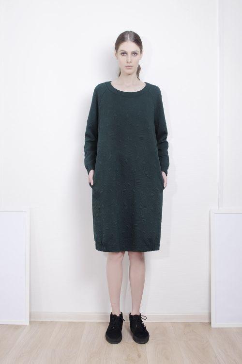 Платье джерси стеганое с защипами