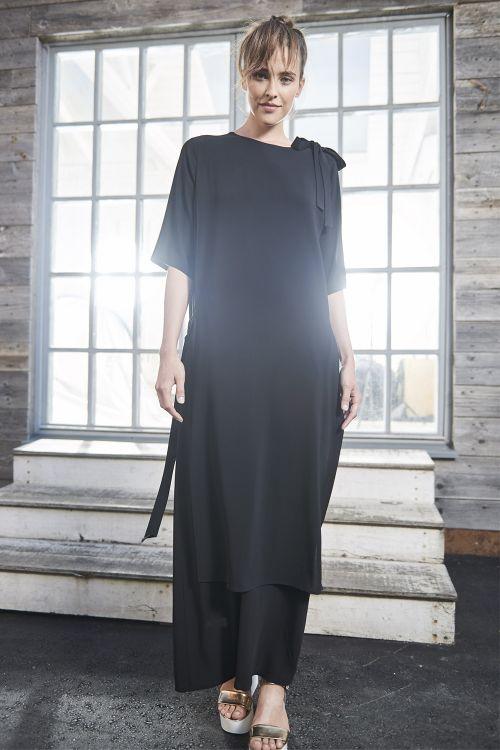 Платье А-силуэт двухслойное, черное