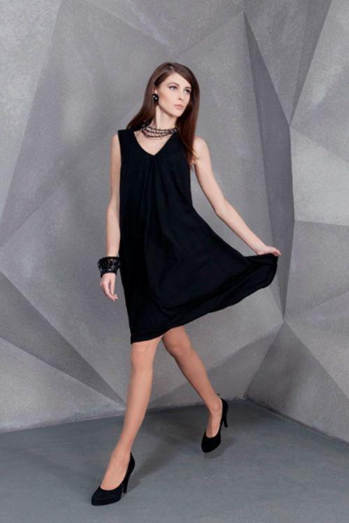 Платье Трапеция со складками короткое без рукавов