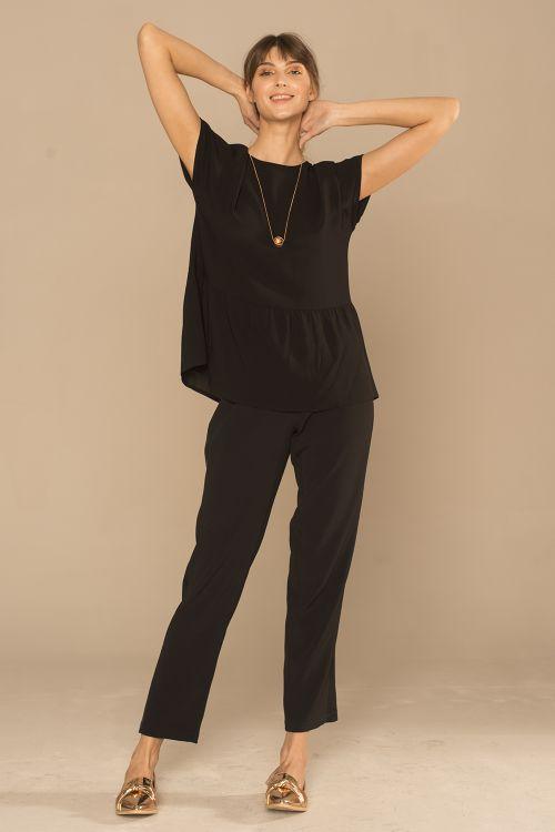 Блуза с оборкой, черная