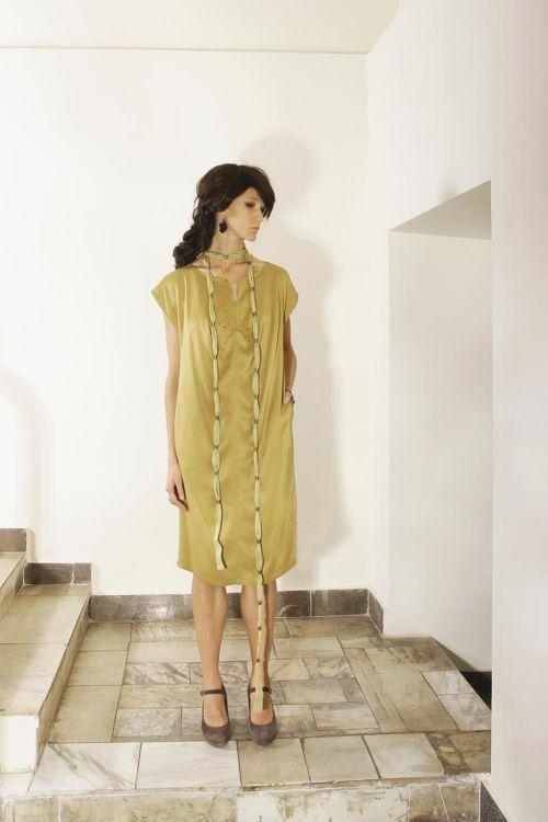 Платье с атласным блеском