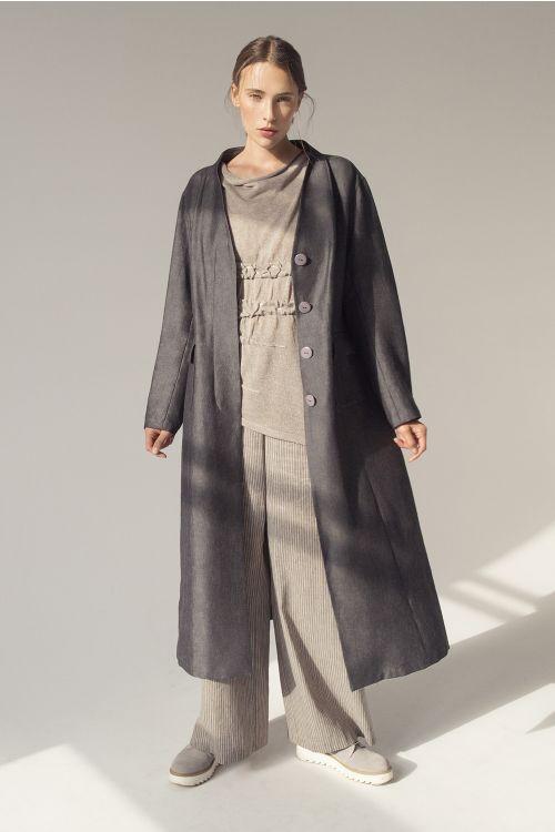 Пальто-сюртук длинное, стойка