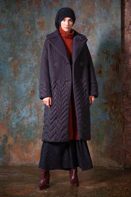 Пальто среднее с лацканами, зигзаги-бордюр