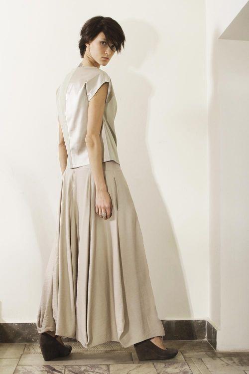 Длинная юбка с клиньями округлой формы