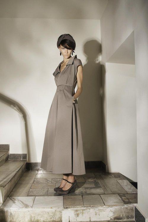Платье с запахом асимметричного кроя