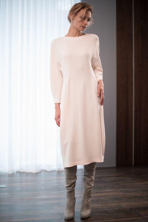 Платье Овал-песочные часы, среднее