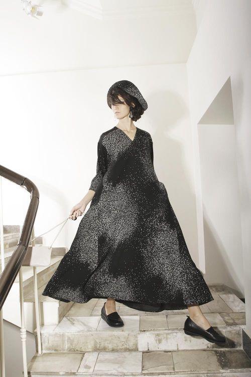 Платье-клеш в крапинку