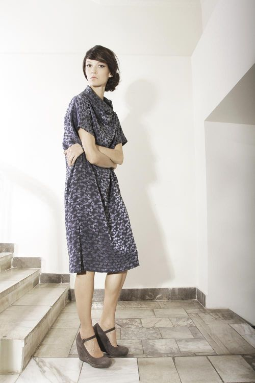 Платье-кимоно прямого силуэта