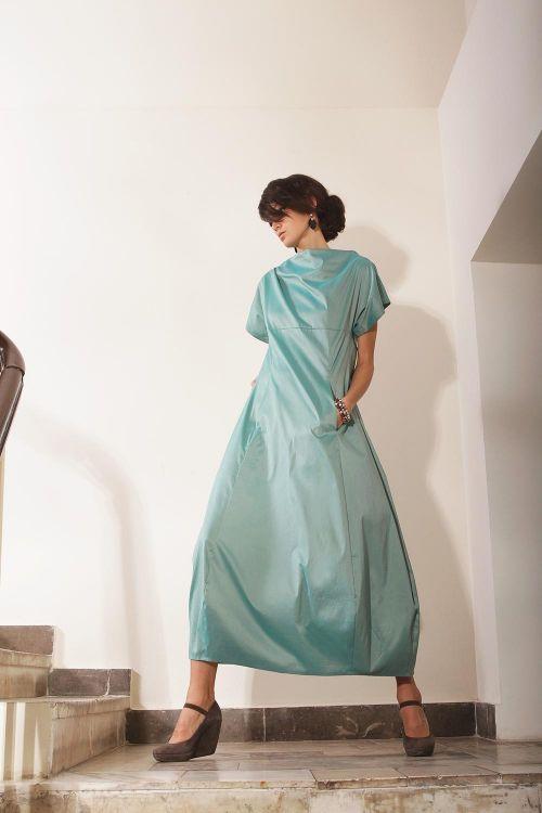 Платье из хлопковой ткани с эффектом легкого блеска