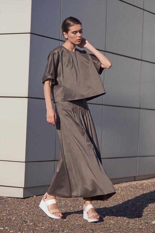 Блуза МИНИМАЛИЗМ с вытачками