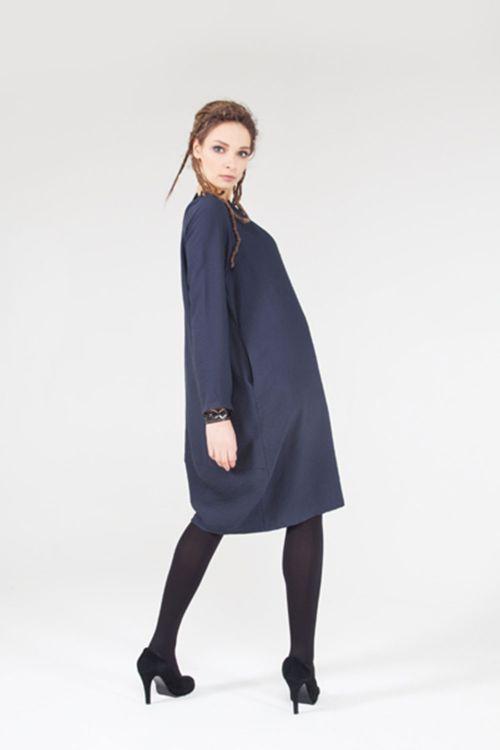 Платье Кокон-реглан с вытачками