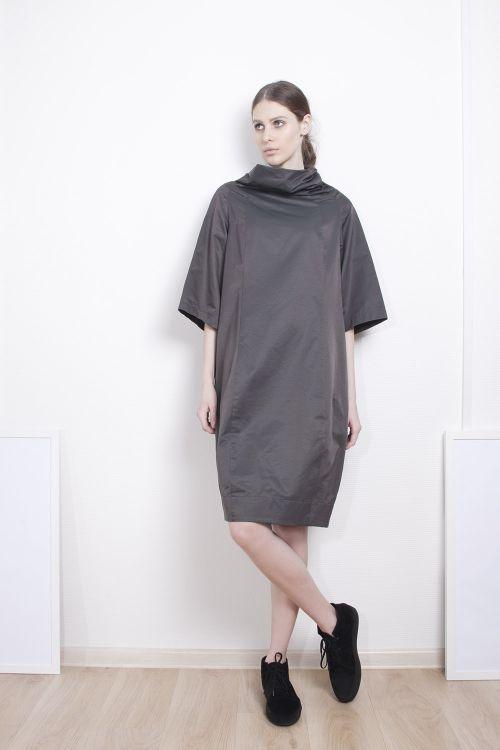 Платье Хомут прямое в крапинку