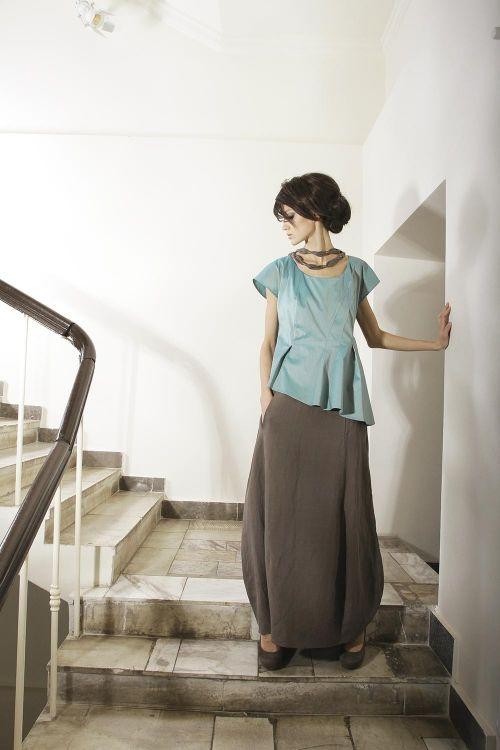 Асимметричная блуза с косыми складками